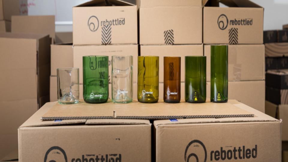 Rebottled maakt hippe glazen van oude flessen