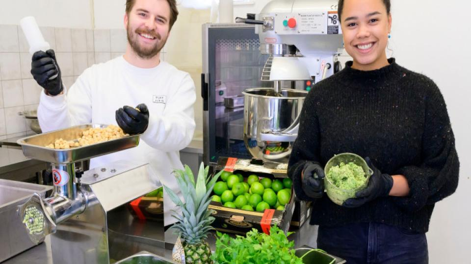 FALAFVAL maakt lekkerste falafel groentepulp
