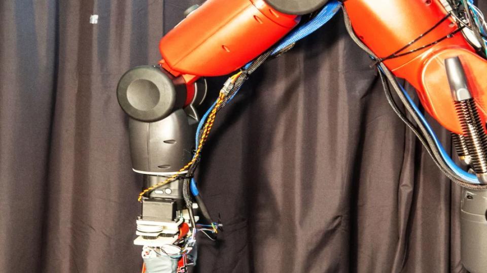 Deze robot kan recycling sorteren door er een kneepje in te geven