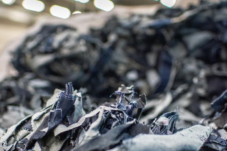Nouryon en Renewcell gaan samenwerken rond duurzame textielrecycling