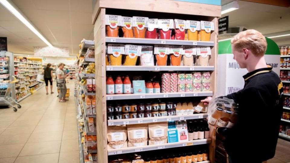 Jumbo-winkel plaatst schap tegen voedselverspilling