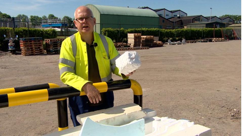 Wereldprimeur in Terneuzen: eerste piepschuimrecyclefabriek ter wereld geopend