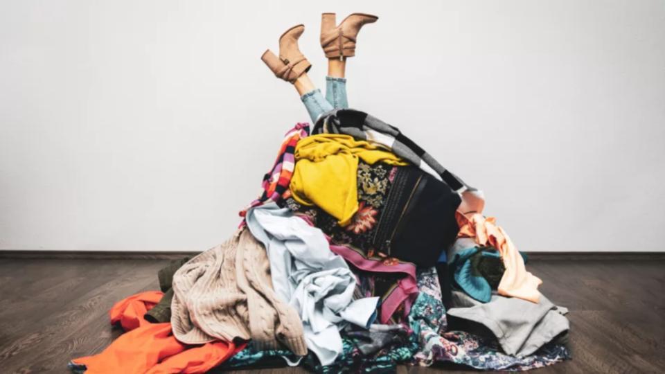 Grote modebedrijven investeren in Finse textiel-recycle start-up. Brengt dit een circulaire mode-industrie dichterbij?